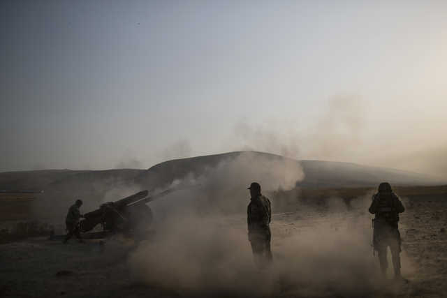 Iraq troops slow Mosul advance as they clear neighbourhoods