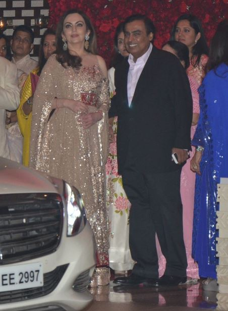 Bollywood: Photos: Ranbir Kapoor, Jacqueline Fernandez, Hrithik Roshan at Ambani bash
