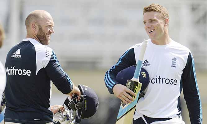 England's Buttler poised to make Test return