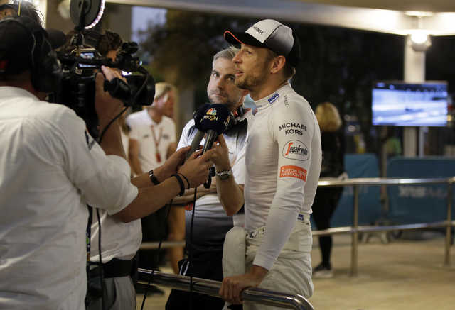 Button retires from his last race