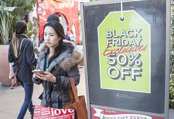 US holiday online sales rise