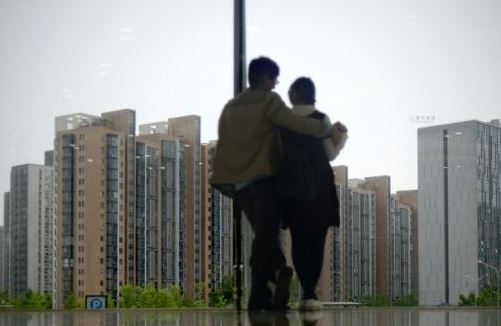 Surging homeowner loans in China raise alarms over debt