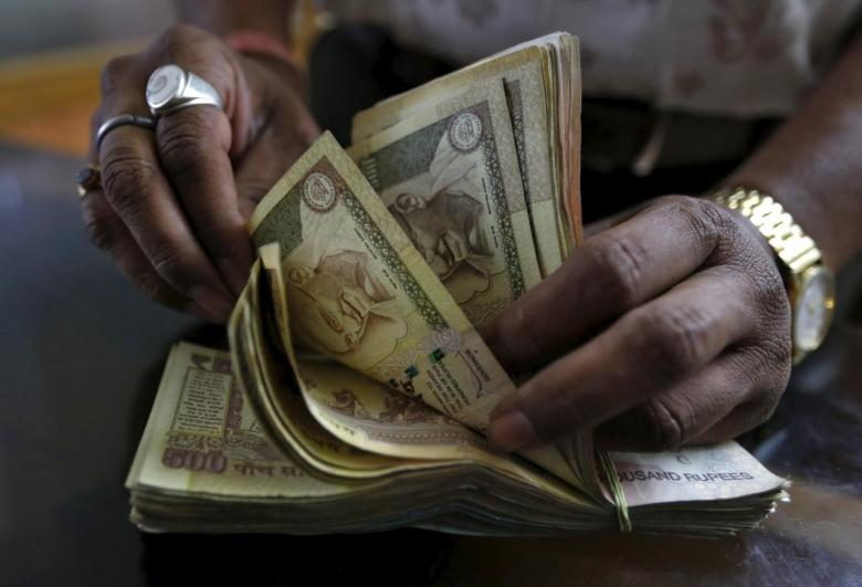 India: Old Rs 500 notes valid till Dec 2 for fuel, air ticket purchase