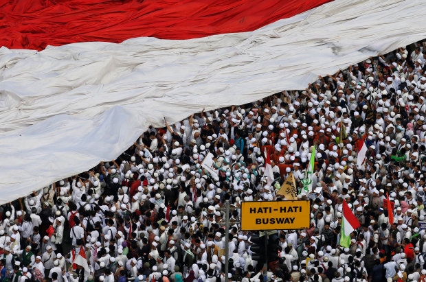Foreign governments warn citizens about Indonesia protest