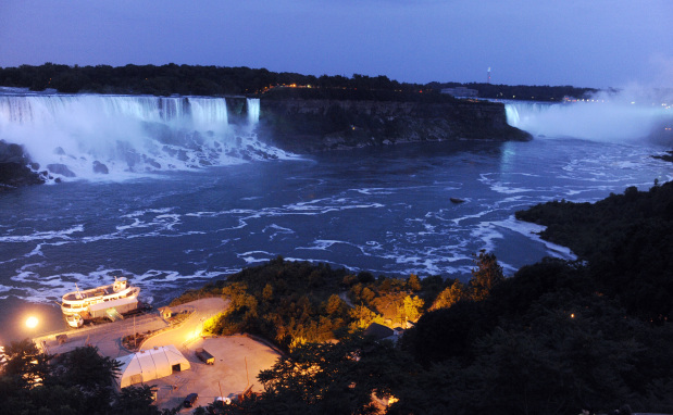 Niagara Falls gets $4M lighting makeover; LED brightens view