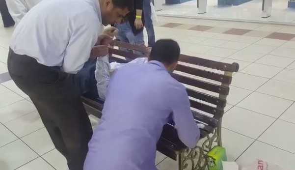 Bahraini man collapses at a popular shopping mall