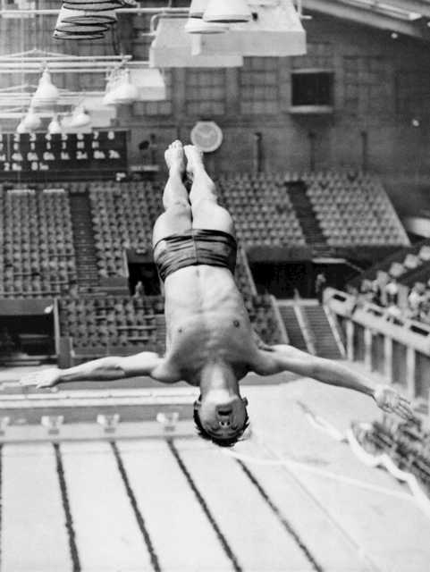 Sammy Lee, two-time Olympic diving champion, dies at 96