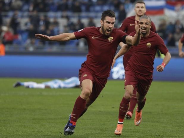 Roma pounce on Lazio errors