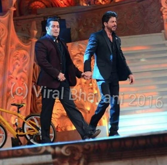 Star Screen Awards: Salman and Shah Rukh set the stage on fire