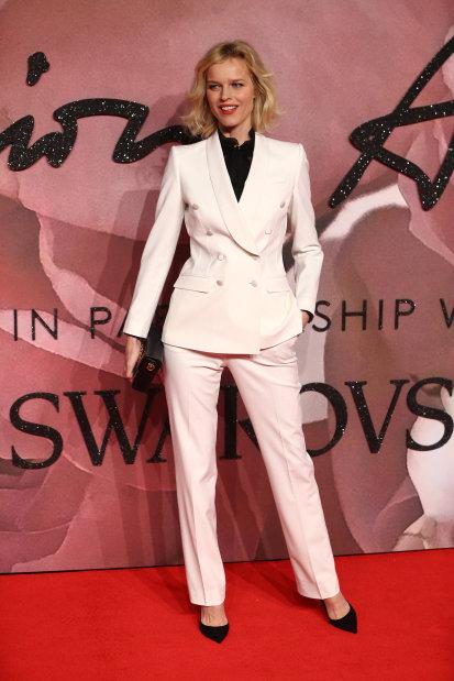 Photos: Gigi Hadid crowned model of year at Fashion Awards