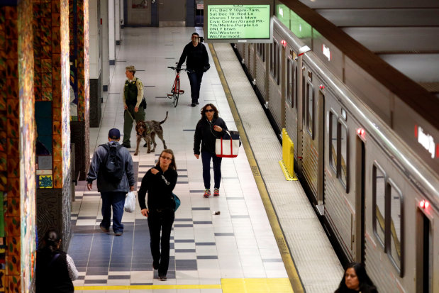Officials say no evidence of bomb on LA's metro