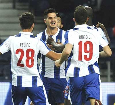 Champions League: Porto and Sevilla march on