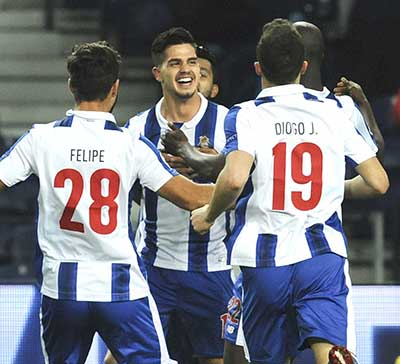 CHAMPIONS LEAGUE: PORTO AND SEVILLA MARCH ON
