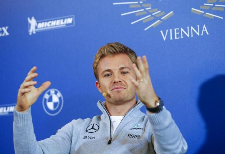 Mercedes to wait until 2017 on Rosberg replacement