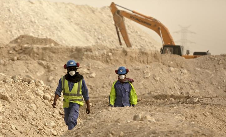 Qatar World Cup construction workers to get 'cooling' hats