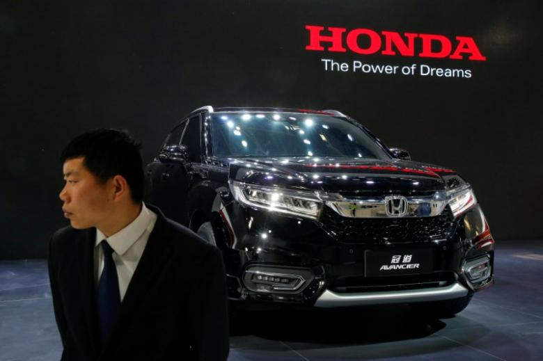 China sales vroom in 2016 for global automakers; dull 2017 looms