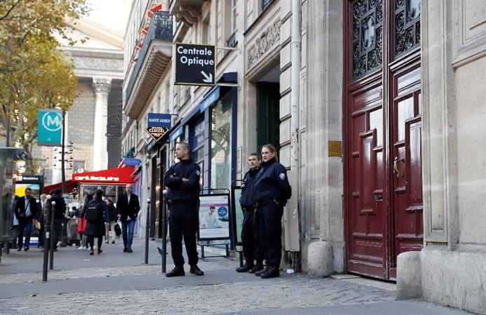 16 arrested over Kardashian Paris robbery