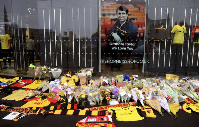 Premier League: Fans remember Taylor as Watford draws with Middlesbrough