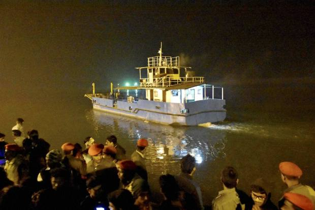 26 people drown after boat capsizes in eastern India