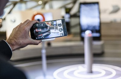 BMW i pilots augmented reality product visualiser