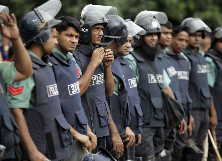 Bangladesh: Court sentences 26 to death for Narayanganj killings
