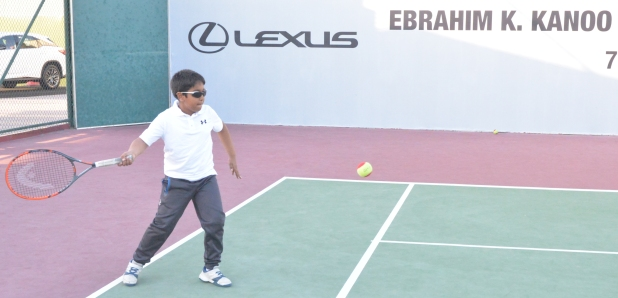 Vyom to face Riyan in final