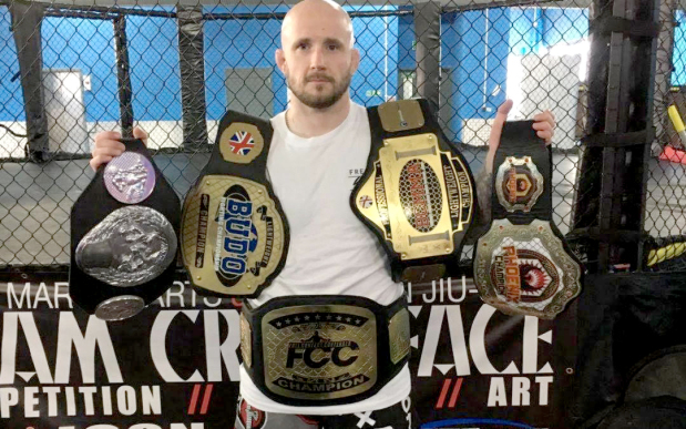 Brave signs British MMA veteran Leary