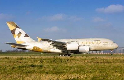 Etihad, Natixis close first aircraft leasing transactions