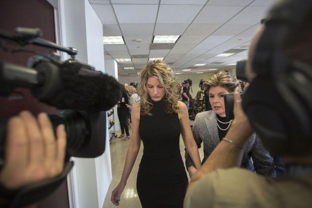 'Apprentice' contestant files suit against Trump