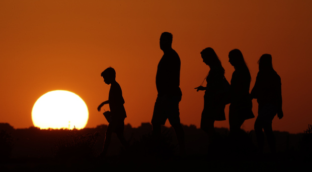 Earth sets hottest year record for third-straight time