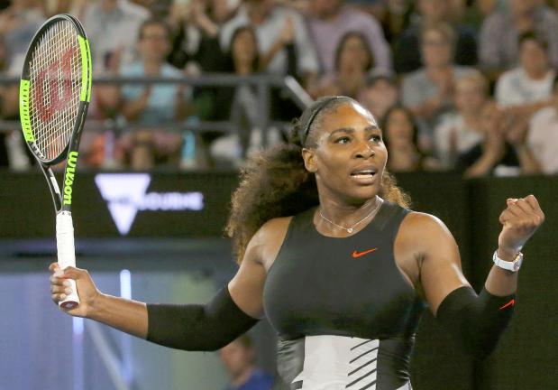 Australian Open: Serena cruises into third round