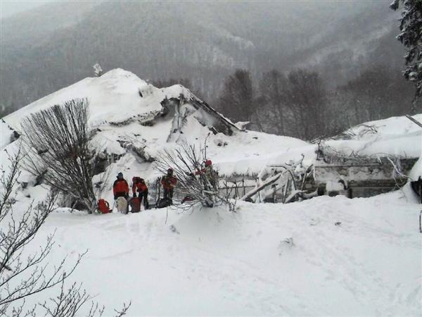 Rescuers find six people alive in Italy avalanche hotel