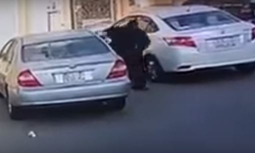 Video: Angry woman smashes cars parked in front of her house