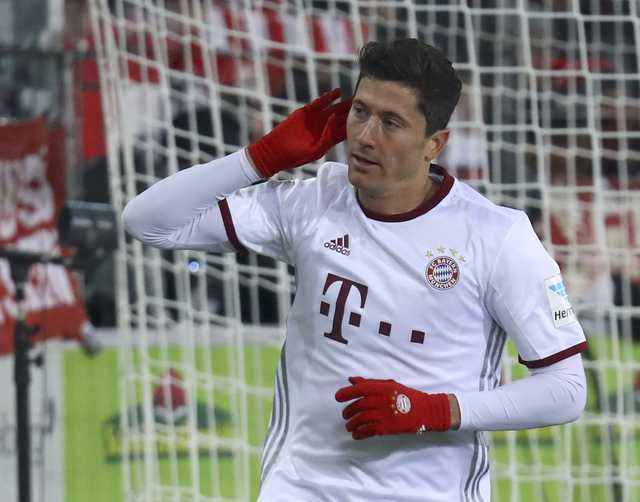 Bundesliga: Lewandowski's last-gasp goal earns Bayern 2-1 win at Freiburg