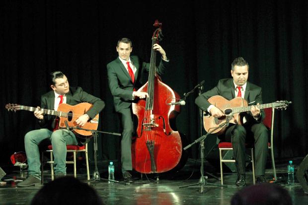 French swing quartet sets the tone...