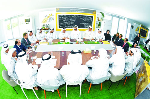 Dubai ruler chairs brainstorm session at Giving Retreat