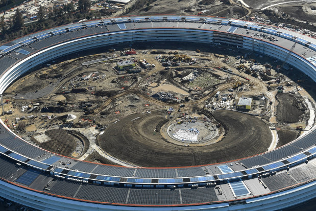 "Channeling Steve Jobs, Apple seeks design perfection at new ""spaceship"" campus"