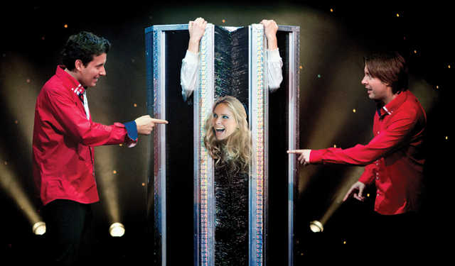 Spellbinding show by Dutch illusionists