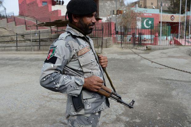 Pakistan shuts key border crossing in wake of shrine attack
