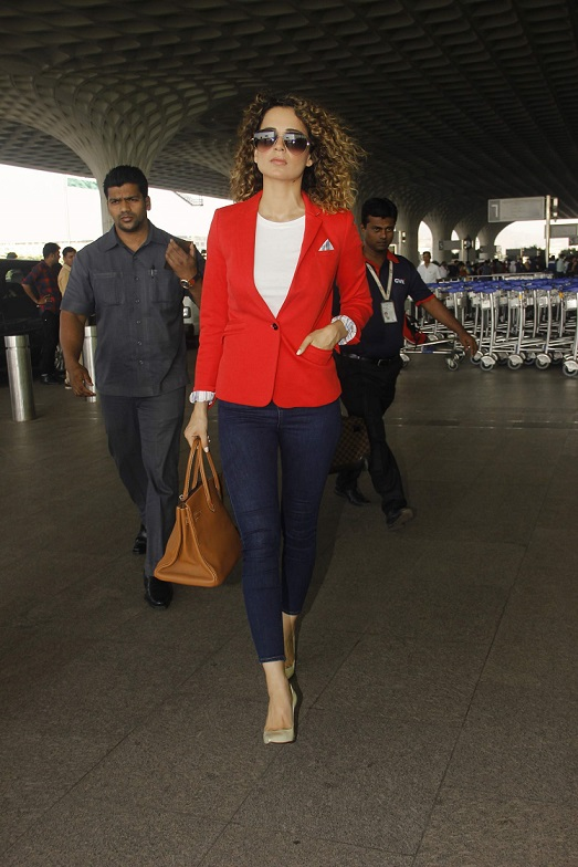 Kangana Ranaut dazzles while Sid-Alia colour co-ordinate their airport looks!