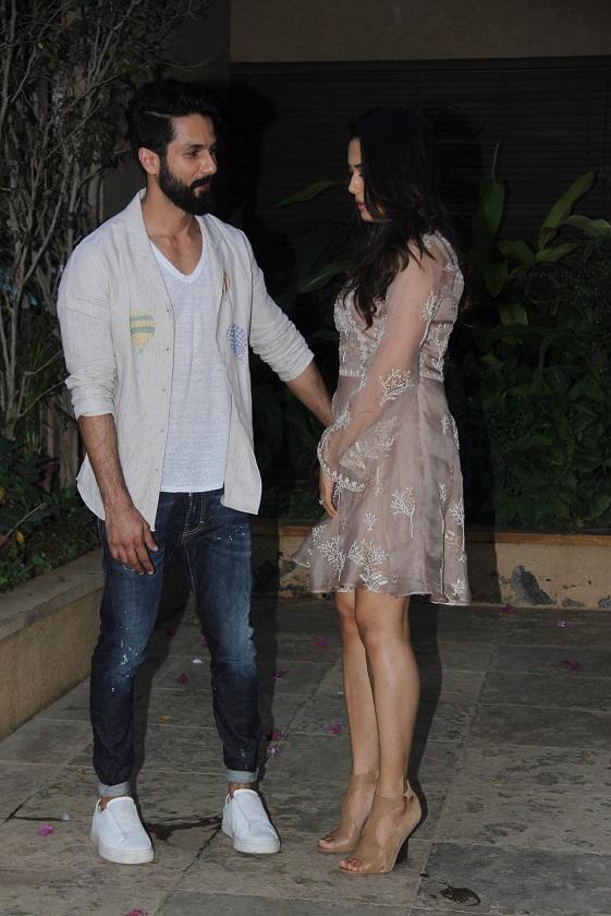 Bollywood: Shahid's Birthday Bash: Couples Varun-Natasha, Sid-Alia walk in hand-in-hand!