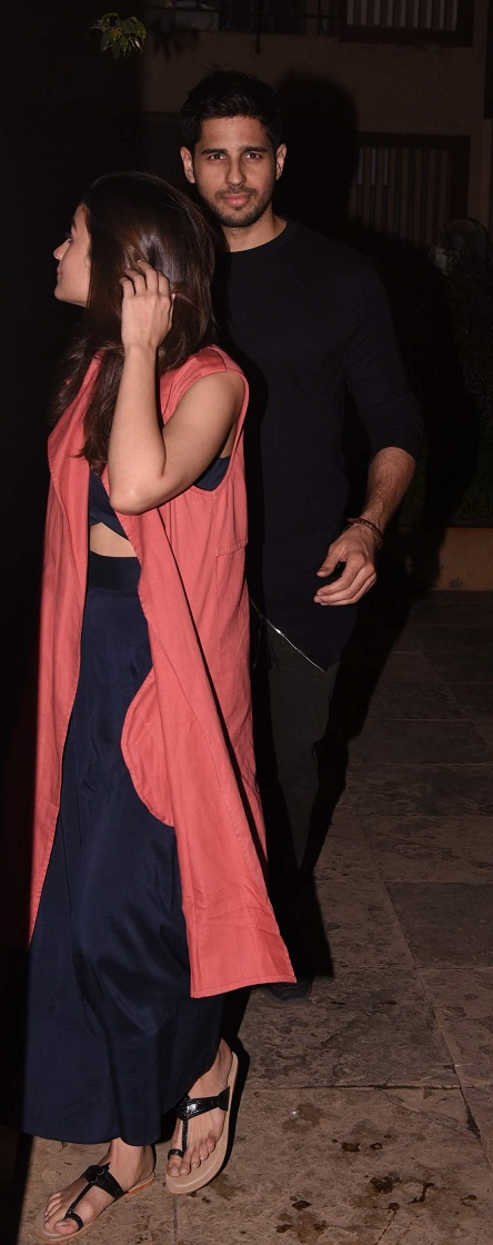 Bollywood: Shahid's Birthday Bash: Couples Varun-Natasha, Sid-Alia walk in hand-in-hand!