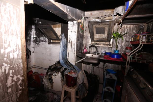 Bahraini family of six escapes flat blaze
