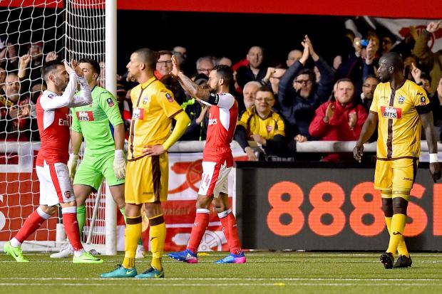 FA Cup: Arsenal reach last eight