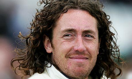 England's Sidebottom to retire