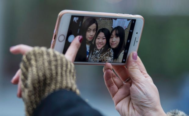 China selfie-app leader seeks to 'beautify the world'