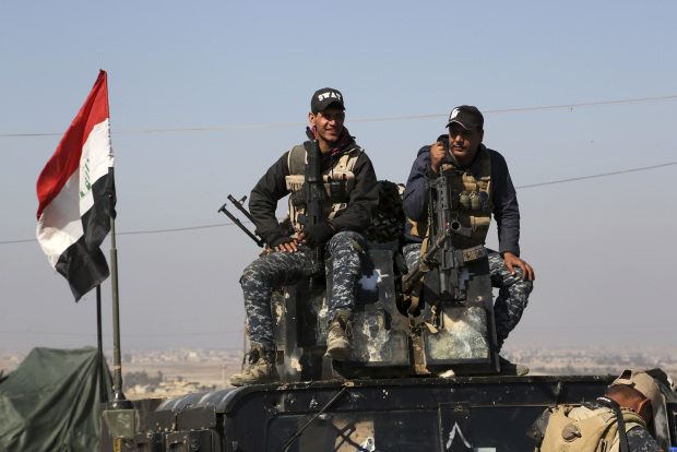 Iraqi police forces enter Mosul airport, seize runway