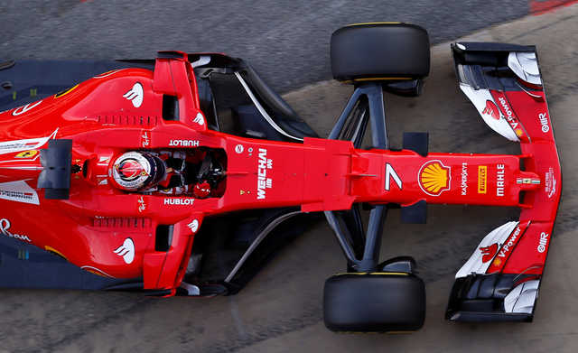 Ferrari challenges Mercedes in preseason testing