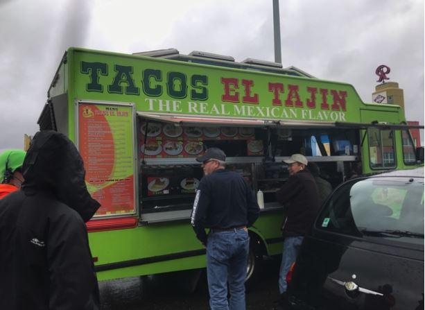 Taco truck serves highway lunch for stranded Seattle drivers