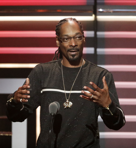 Trump calls out Snoop Dogg over shooting video